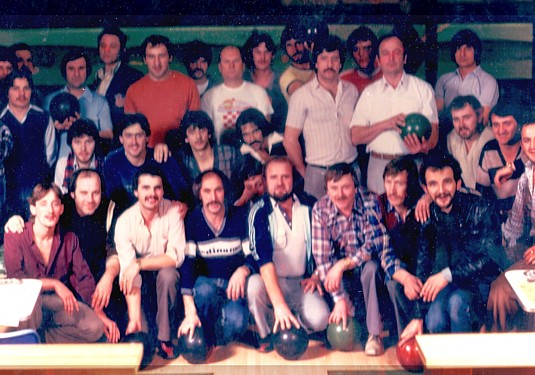 The original Croatia Hamilton bowling league in 1980 (Click to enlarge).